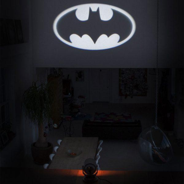 DC - svjetiljka Bat-Signal