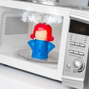 Čistač mikrovalne pećnice – ljuta žena