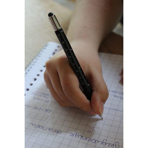 Multifunkcionalna kemijska olovka
