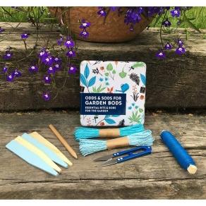 Gift in a Tin - Poklon set sitnice za rad u vrtu
